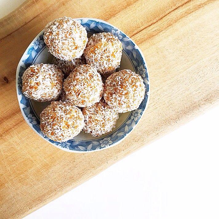 Apricot balls #apricot #coconut #refinedsugarfree #apricotballs