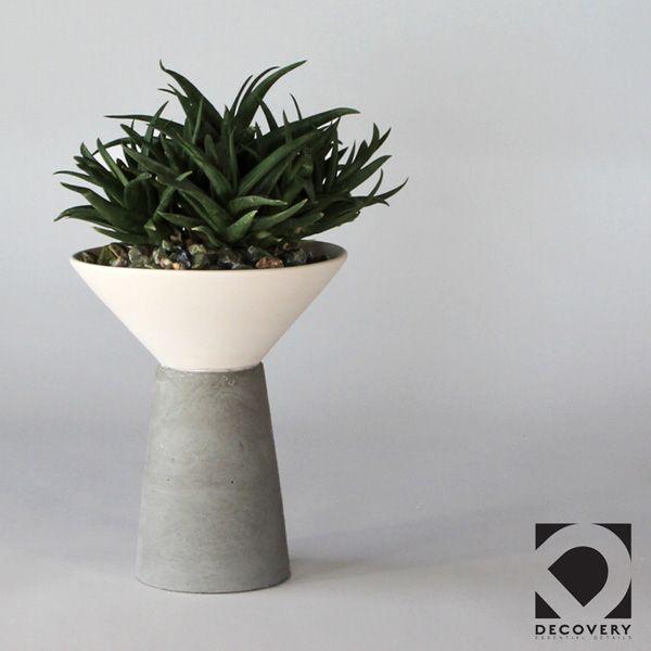 SC60 CERAMIC+CONCRETE VASE+POT ↔21.0cm↑25.0cm. White matte ceramic + grey matte concrete vase + pot. High quality handmade objects Designed+Made by Decovery | Essential Details.