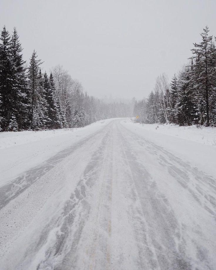 Aujourd'hui il est temps de reprendre la route — après un road trip d'une semaine dans le nord du Québec, nous partons pour les cantons de l'Est. via @cheminsdevoyage / Instagram