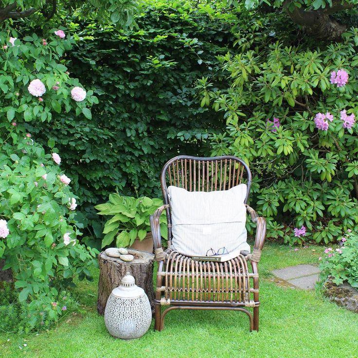 Awesome Jeg Elsker At Kunne Sidde Forskellige Steder I Haven Og Nyde Alt Det Grønne  Og Skønne