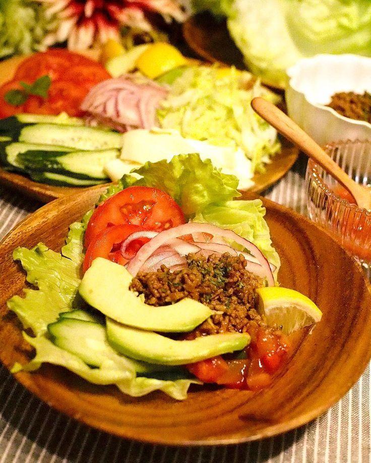 糖質制限192日目Dinner  2016.5.2 Taco salad lettuce tomato cucumber avocado red onion and taco meat with salsa sause.  タコサラダ レタスキュウリトマトアボカド紫玉ねぎタコミート  メキシカンタコスをタコシェルではなくレタスで巻いて食べるタコサラダ 子供達はタコシェルで このタコスのミートって美味しいですよね  個人的には和風のそぼろより甘みが少なくてスパイス効いていて好きです みんなたくさん食べました(艸)  #糖質制限#糖質オフ#糖質制限ダイエット#ローカーボ#食べて痩せる#レコーディングダイエット#lowcarb#MEC#diet#keto#lowcarbhighfat#healthyeating#japanesefood#delistagrammer#タコス by miyacoro385