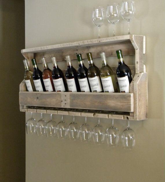 Weinregal, Gastgeberin Geschenk, aufgearbeiteten Holz, Paletten Wein Rack, einzigartige Weinregal, rustikalen Einrichtung, Weihnachtsgeschenk, Palette Möbel, Upcycled Regal auf Etsy, 78,43 €