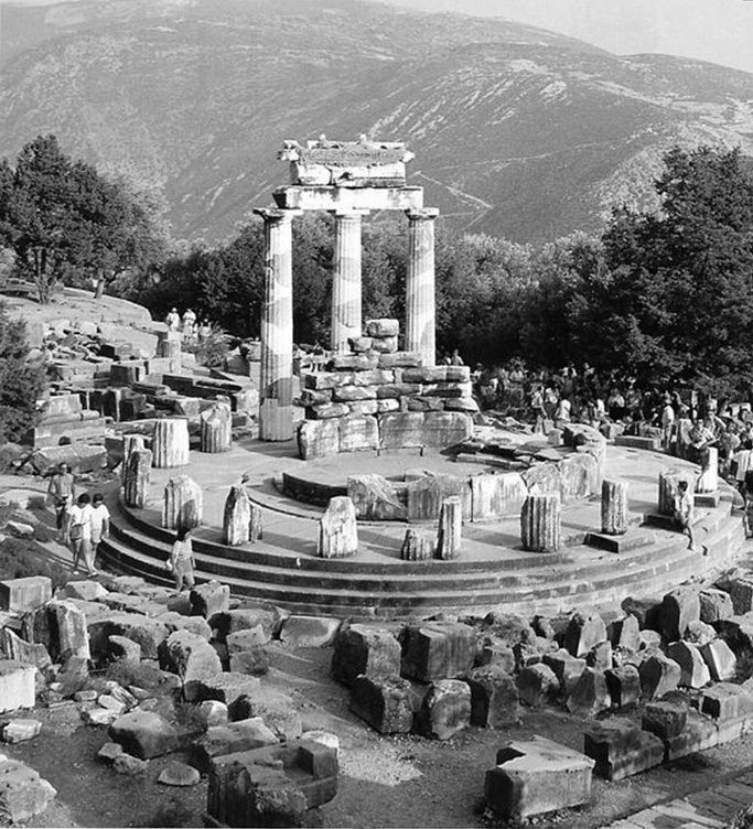 Delphi, Temple of Apollo. Δελφοί, Ναός του Απόλλωνα