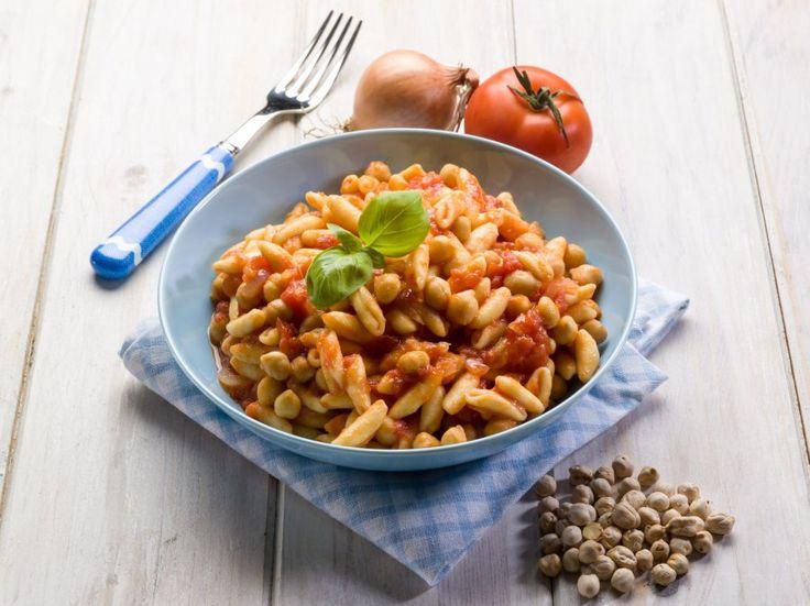 Pasta Cavatelli mit Kichererbsen und Tomaten