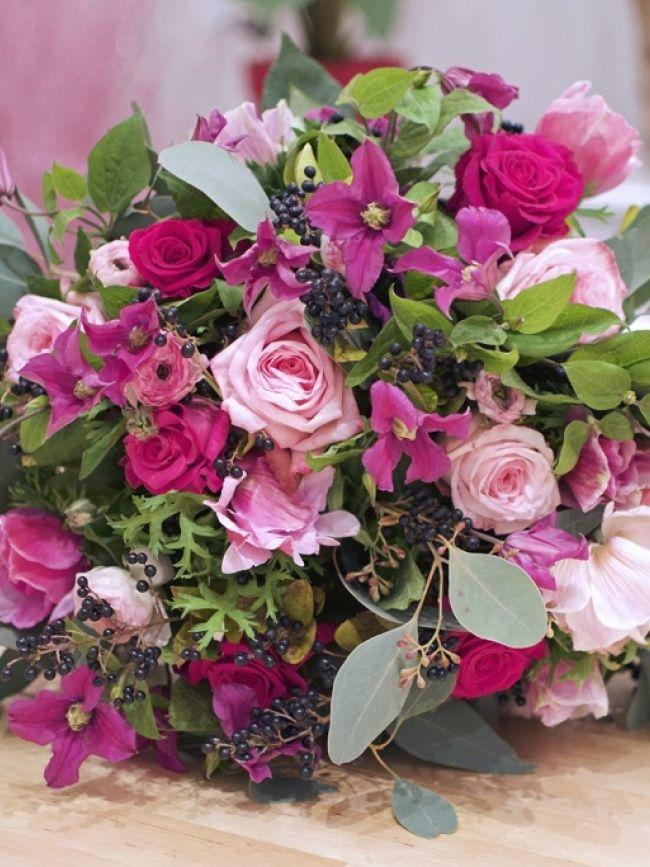 Claire voit la vie en rose ! Amoureuse des roses depuis sa plus tendre enfance, c'était une évidence d'appeler sa boutique Roses by Claire.