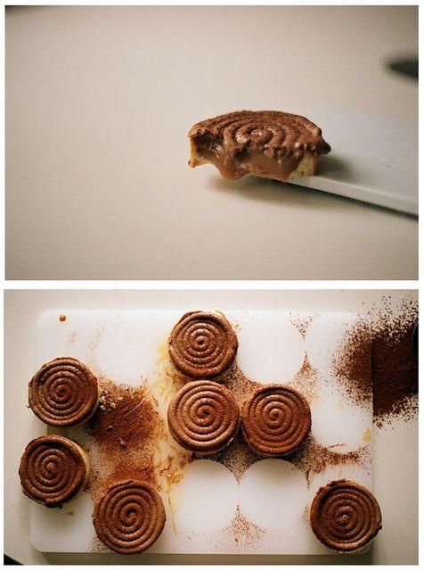 salted caramel milk chOcOlate tarts
