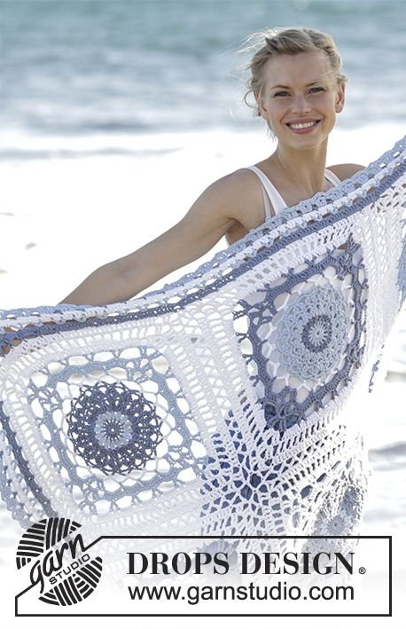 Crochet blanket with squares and lace pattern in DROPS Paris. Free pattern by DROPS Design.