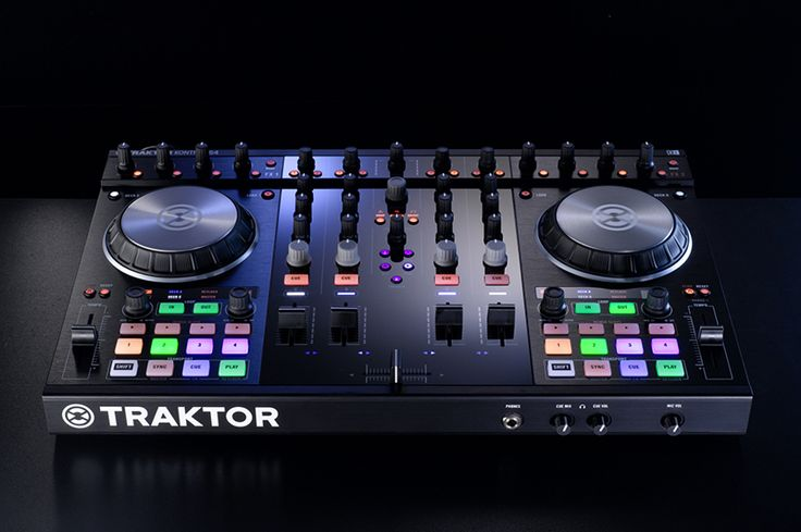Review: Traktor Kontrol S4 MK2 DJ Controller [VIDEO]