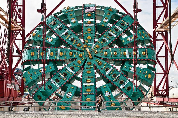The World's Largest Tunnel-Boring Machine Meet the25,000-horsepower Bertha.
