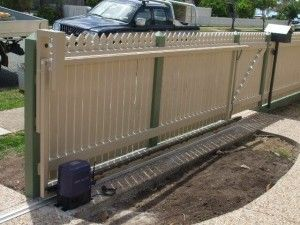 Sliding Driveway Gate – Aluminium Frame – Timber Batons Colonial ...