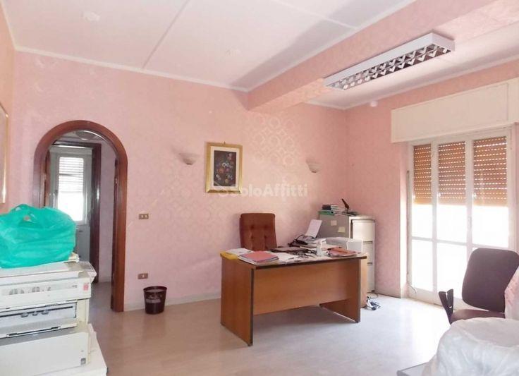 Oltre 25 fantastiche idee su ripostiglio su pinterest for 6 camere da letto piano piano due piani