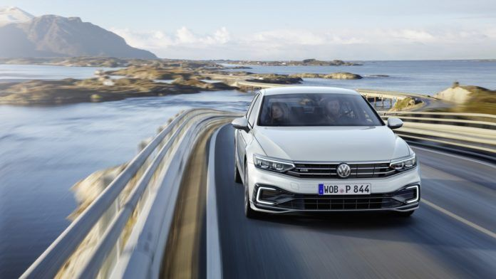 After Volkswagen Gave China A Whole New Passat And America A Brand New Passat It S Europe S Turn To Meet Th Volkswagen Passat Volkswagen Life Car
