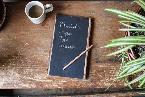 -{D.I.Y.}- Chalkboard Note Tablet