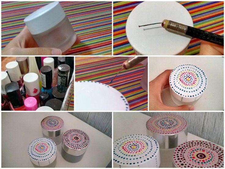 Tarritos de crema reciclados decorados a mano con una púa  casera( lápiz de goma con un alfiler) y esmaltes de uñas.