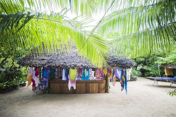 Tahiti - Bora Bora Pareo shop -