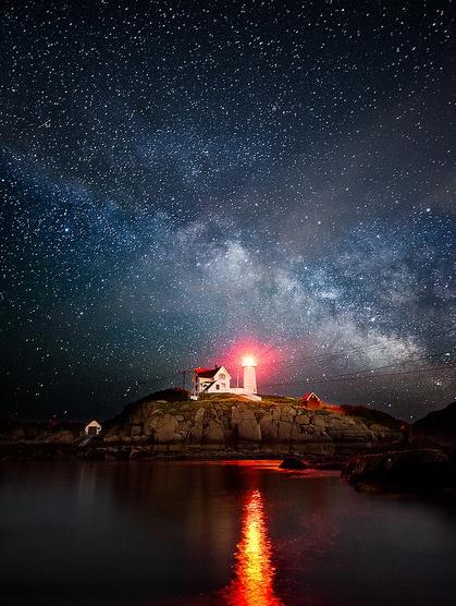 Night Views: 12 Illuminating Lighthouse and Long Exposure Photographs