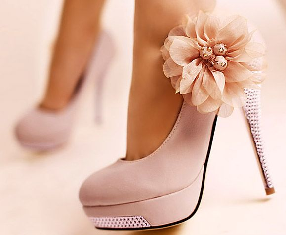 wow!: Pink Flowers, Fashion, Wedding Shoes, Style, Flowers Shoes, Pink Heels, Bridesmaid Shoes, Pink Shoes, High Heels