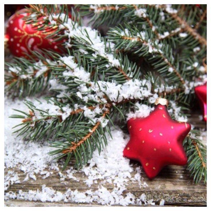 Искусственный снег на елку
