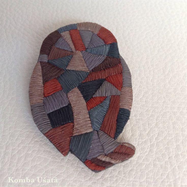 Komba Ušatá - imitace vyšívaní z polymeru podle workshopu Olgy Priclové