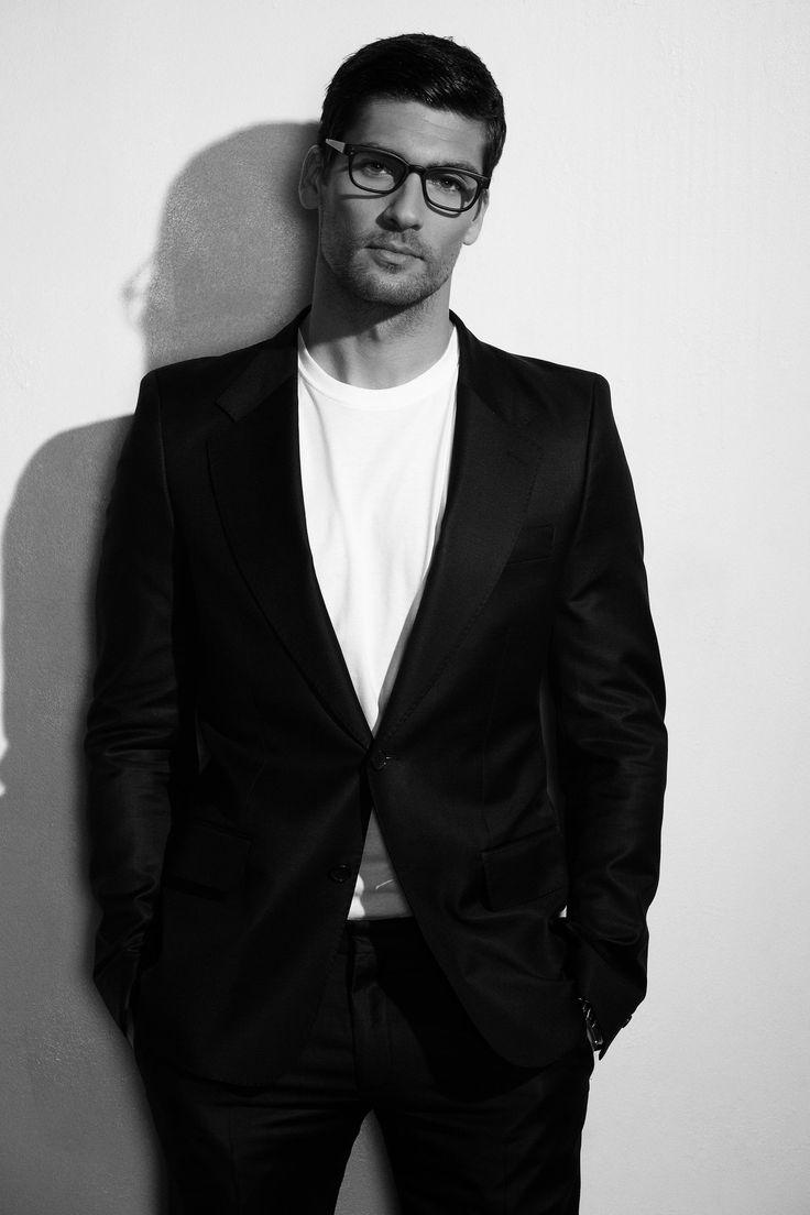Travis Vulich by Robert Beczarski (2011) #TravisVulich #RobertBeczarski #malemodel #model #FordModels #FordModels_Chi #specs #glasses