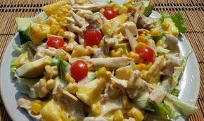Ensalada de pollo y piña con aderezo de curry