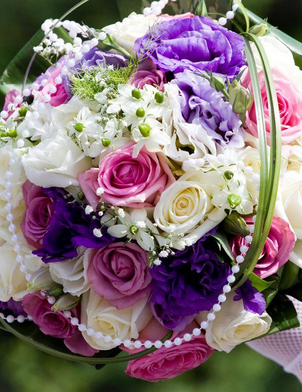 ber ideen zu lila brautstr u e auf pinterest lilafarbene hochzeitsblumen lila. Black Bedroom Furniture Sets. Home Design Ideas
