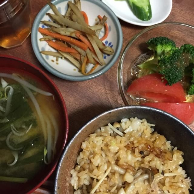 ヒルナンデスで見た混ぜごはんを、椎茸をエノキに変えて作ってみました。 - 160件のもぐもぐ - 中華風おこわ キンピラ サラダ  お味噌汁 by kiyochanbomber