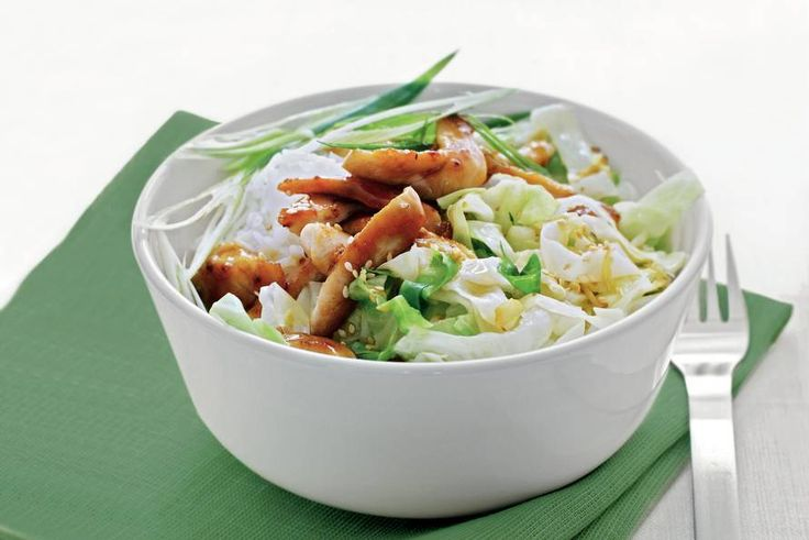 Chicken with sesame, ginger and cabbage