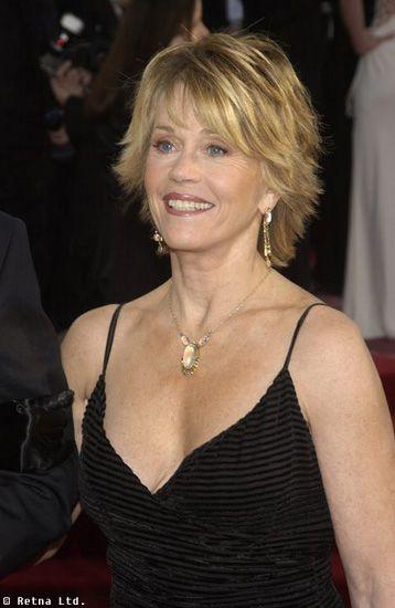 Bridget Fonda with short hair, layers, blonde