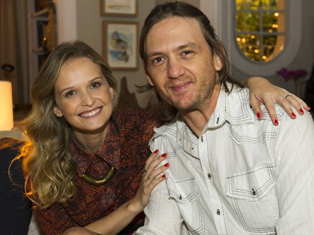 Atriz posa ao lado de André Frateschi, seu par romântico na novela (Foto: Estevam Avellar/ Globo)