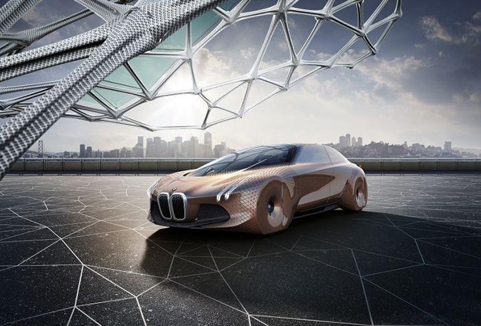 BMW показала беспилотный автомобиль будущего