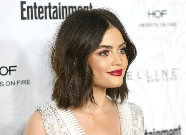 We've Got All The Hairspiration You Need For Lob Season - Lucy Hale's Cool Cute Casual Wavy Beach Waves Brunette Long Bob Hair Inspiration Red Carpet Hair Style