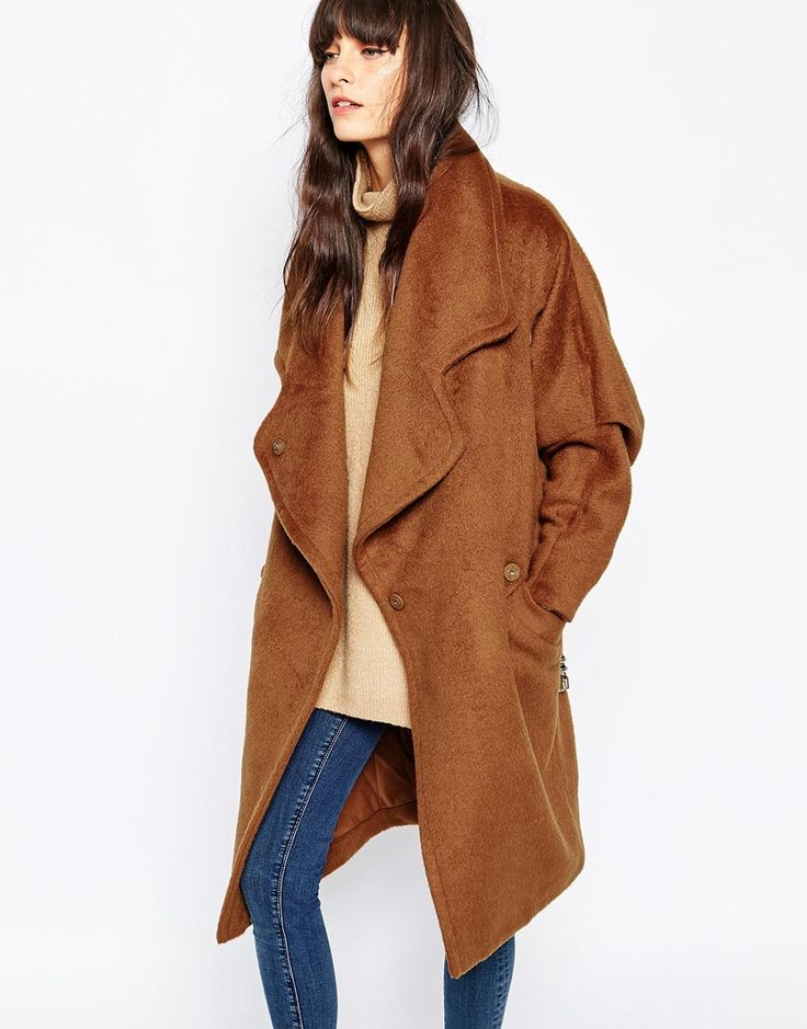 In love with this amazing wool oversized coat. Great here for the new season, and the colour is beautiful! Find it here: http://asos.do/PzMYzy: