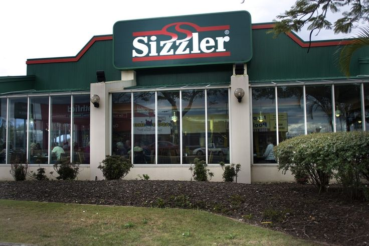 When thinking of meals at Sizzler, it's hard to forget the savoury taste of their famous cheese toast.