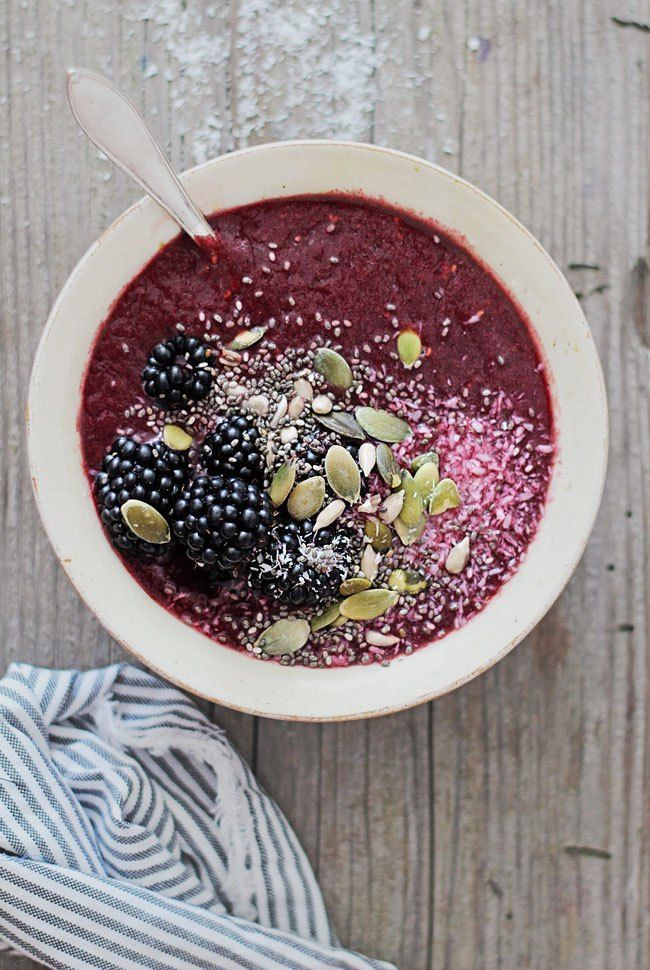 Antioxidant-Packed Blackberry Coconut Smoothie Bowl