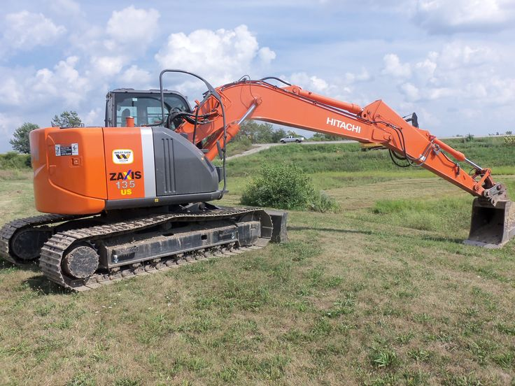 Rear view of HItachi Zaxis 135 US88\/84 net hp from a 264 cid - dragline operator sample resume