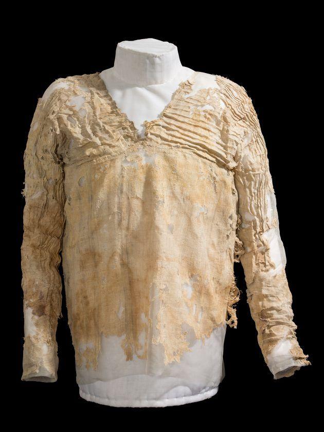 Robe de Tarkhan, plus de 5000 ans. Conservé au Musée d'Archéologie Egyptienne de Petrie.