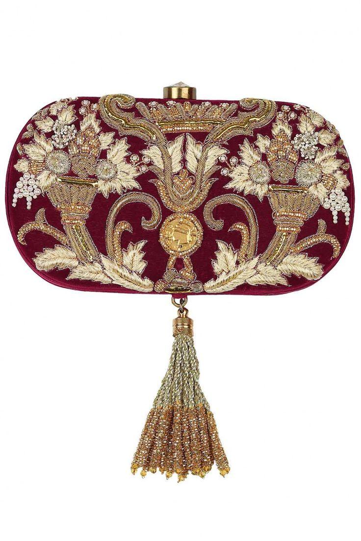 Perniaspopupshop lovetobag clutch zardosi embroidery