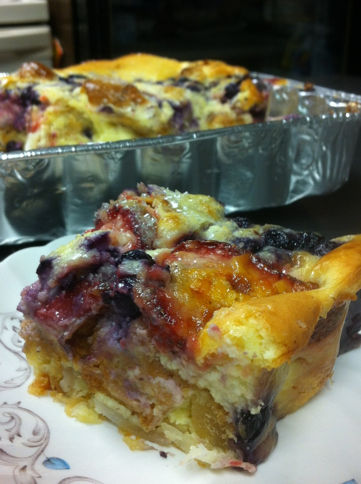 Blueberry strawberry croissant cream cheese bread pudding.....I think my heart just melted #texaspiecompany so delicious and buttery.....