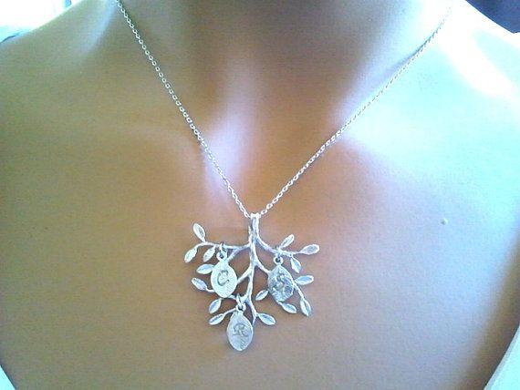 HOLIDAY SALE Stammbaum-Halskette Initial Mutter von LaLaCrystal