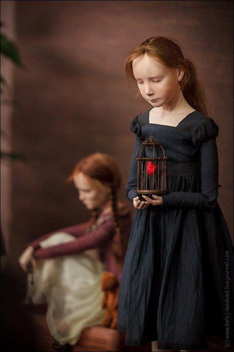 Юлии Федоренко /Julia Fedorenko/  ( this almost looks like a painting but I think it is a doll??  Tk)