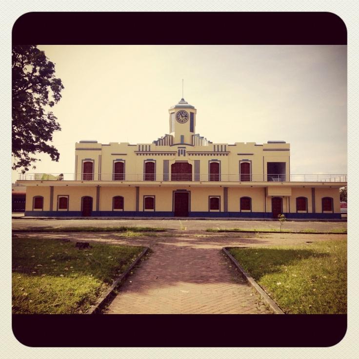 Estación del Ferrocarril  Parque Olaya