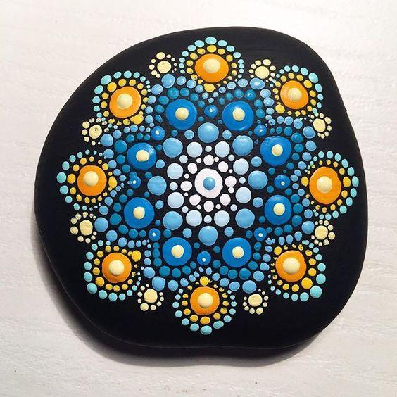 piedras pintadas painting on rocks pinterest galets peinture sur cailloux et. Black Bedroom Furniture Sets. Home Design Ideas