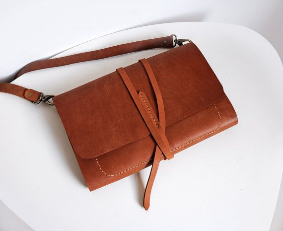Leather sketchbook case with pen holder and cross by erikasleather