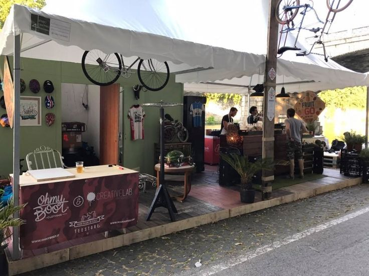 BOOM BOOM #CICLOBAR #ilmondodiangelina  #FRUITS to go #Summer #CicloOfficina ...  Un vero #BIKEBAR #gadgets per la bici #tshirts #streetfood sulle sponde del #Tevere #Roma