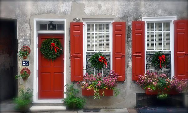 red door, red shutters, I wish!!!
