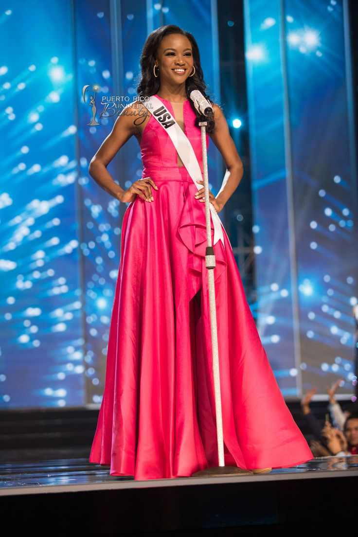 MISS UNIVERSE 2016 :: PRELIMINARY COMPETITION - OPENING | Deshauna Barber, Miss USA 2016, on stage in fashion by Sherri Hill and footwear by Chinese Laundry during the opening of the 65th MISS UNIVERSE® Preliminary Competition at the Mall of Asia Arena on Thursday, January 25, 2017. #MissUniverse2016 #MissUniverso2016 #MissUniverse #MissUniverso #MissUSA #MissUnitedStates #MissEstadosUnidos #DeshaunaBarber #Manila #Filipinas #Philippines #MallOfAsia