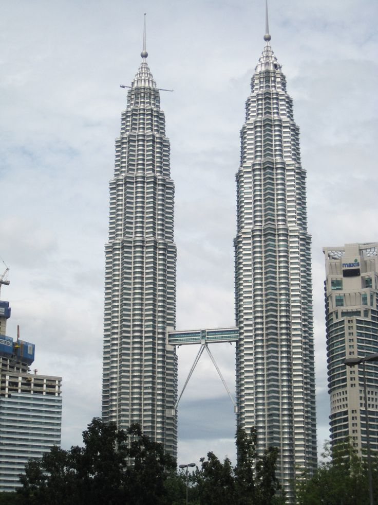 When ever I see this building Petronas Towers in Kuala Lumpur I always think of the movie that Sean Connery starred in and was called Entrapment