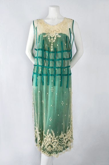 French chiffon/lace dress, c.1923, from the Vintage Textile archives.