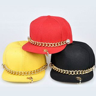 Gold Chain Design Snapback Cap http://www.sneakoutfitters.com/Accessories/Hats/Gold-Chain-Design-Snapback-Hat-p4620.html